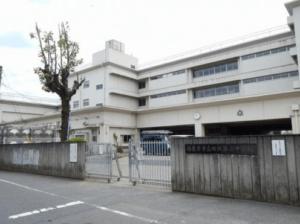池田レイラさんが通学されている西東京市立田無第二中学校